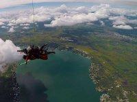 Salto en Lago de Tequesquitengo