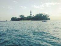 Dandole la vuelta a la isla de sacrificios