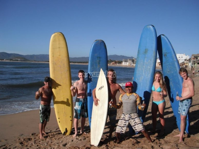 Have fun on the beaches of Manzanillo while you learn to surf