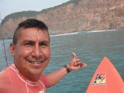 4h surfing journey to Paraiso beach