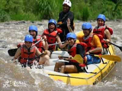 Descenso de rafting en río en Jalcomulco