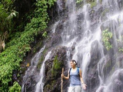 Hiking tour through Encantadas Cascades
