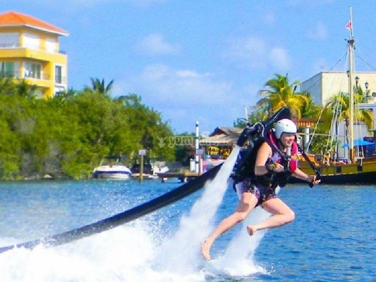 Maneuver in Cancun
