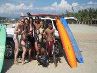 Aventura de surf en grupo