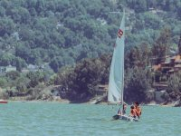 Navigate the lake of Valle