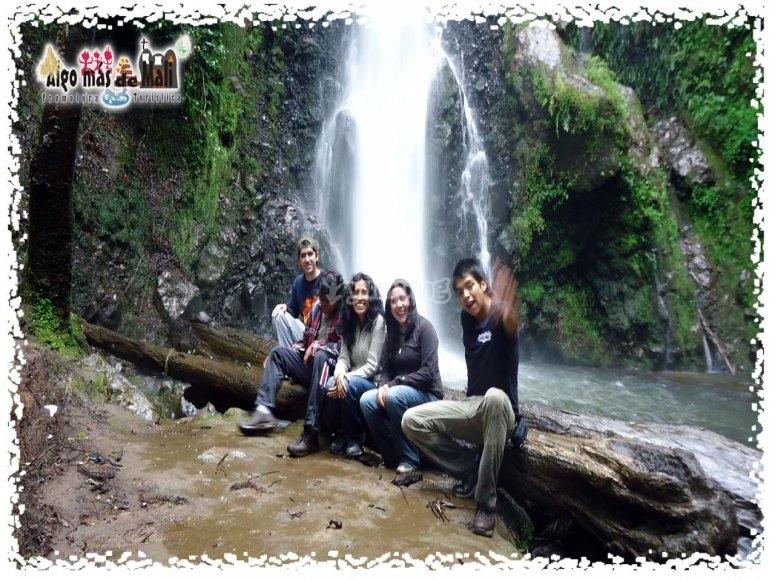 Ultima cascada, el recuerdo de amigos