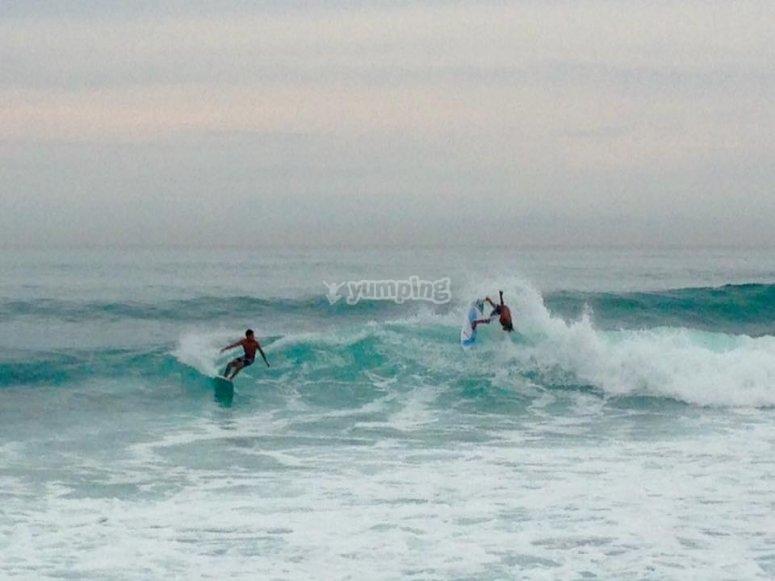 Alumnos de las olas