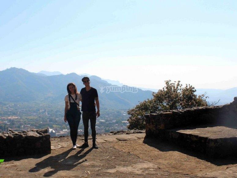 Disfruta de las vistas de la zona arqueológica