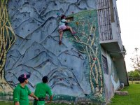 Rappel on the wall