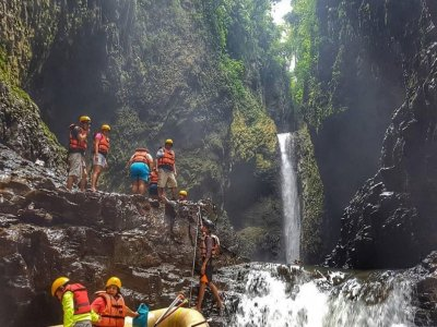 Rafting + zip line + canyoning in Filobobos river