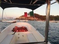 Disfruta de nuestras embarcaciones