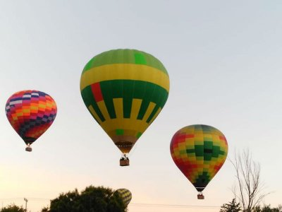 Romantic surprise: balloon flight