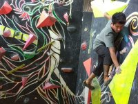 Live the adventure of the climbing on our walls