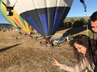 Saludando desde el globo