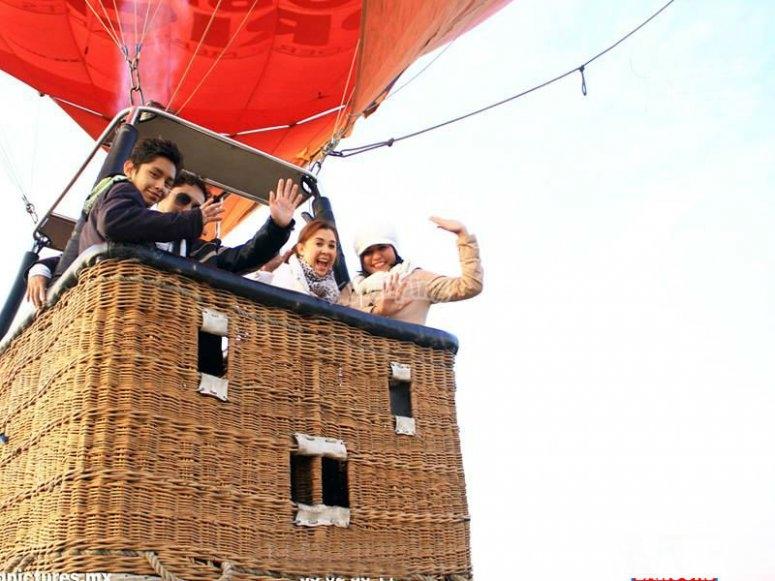 Balloon flight with friends
