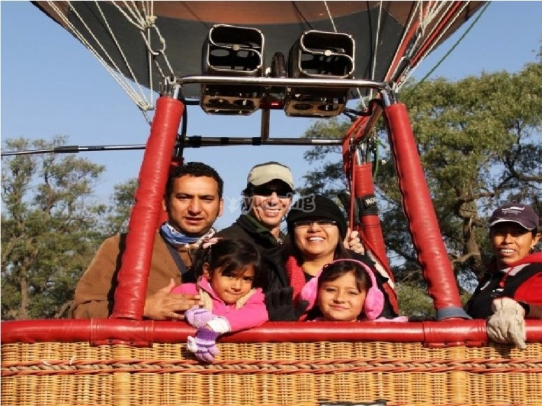 Balloon flight for children in family