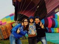 Family balloon flight