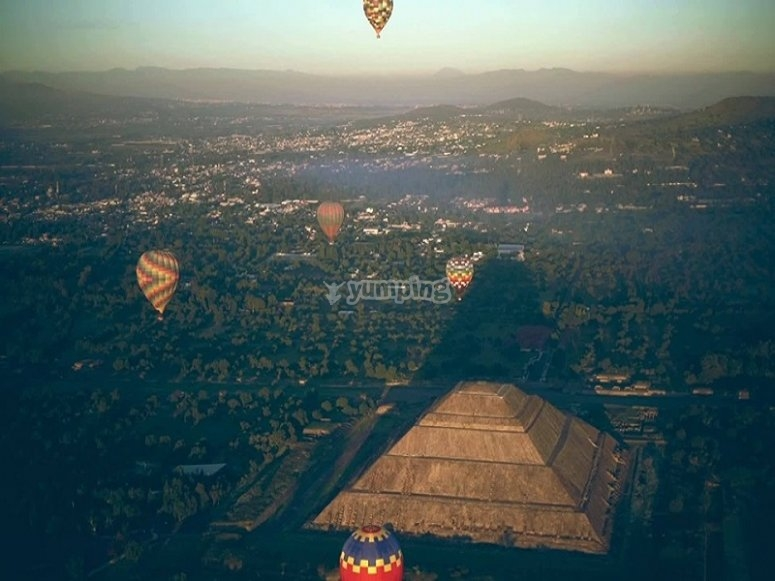 Flying over Teotihuacán
