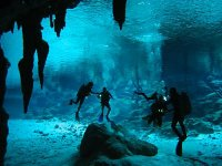 Diving cenote