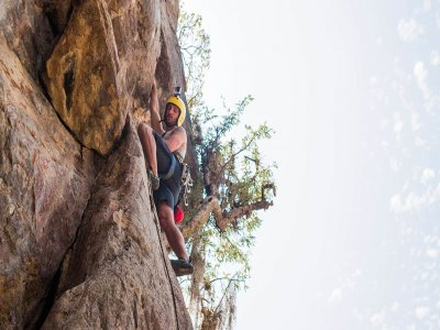 Climbing + rappel in Valle de Bravo