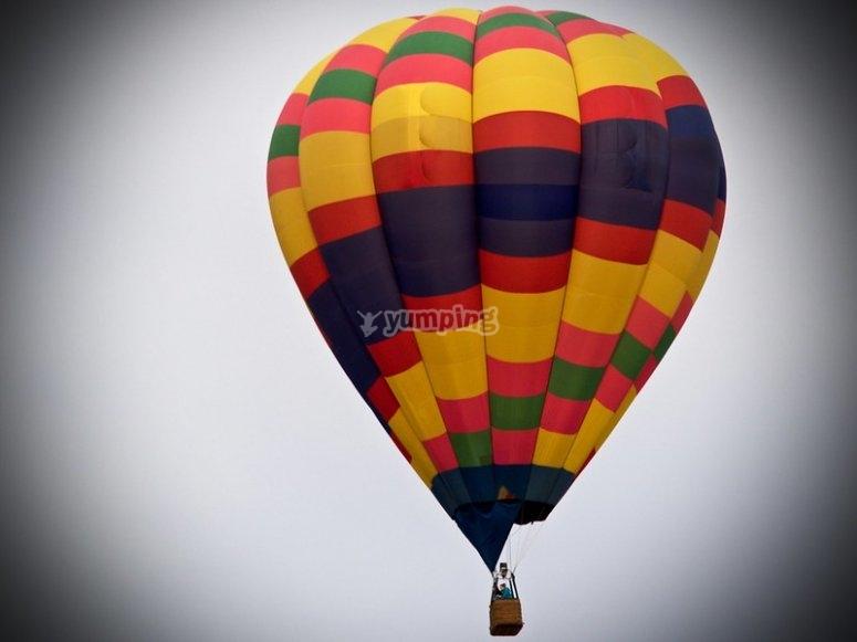 Balloon flight in love