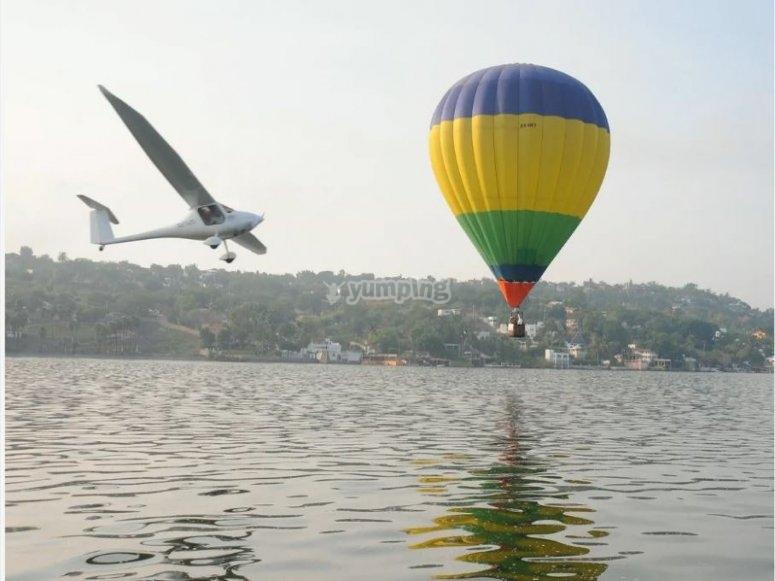 Actividades aereas en el lago Tequesquitan