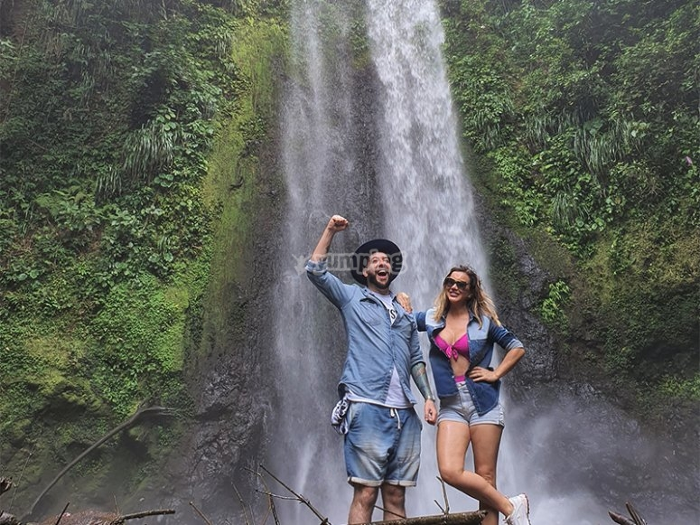 Visit the Tucán waterfall