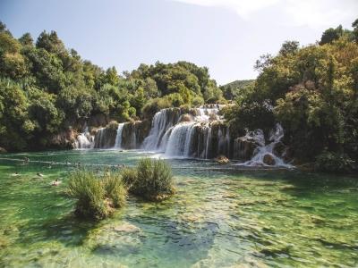 Tolantongo and Tolentino grottos for kids