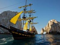 Barco pirata en Los Cabos