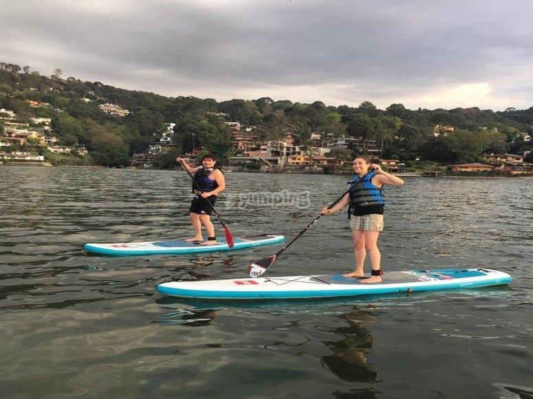 Probando el paddle surf