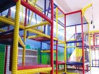 Children's multi-storey labyrinth