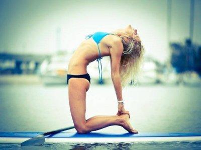 Clase de Stand Up Paddle Yoga en Manzanillo
