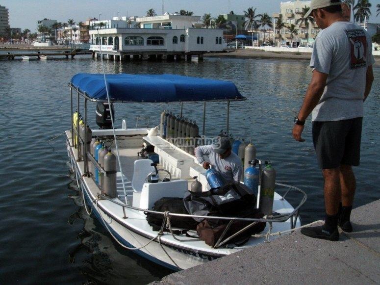 Diving in Veracruz, diving boats