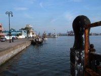 Diving in Veracruz, the pier.