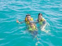 Family in Santa Maria Snorkel