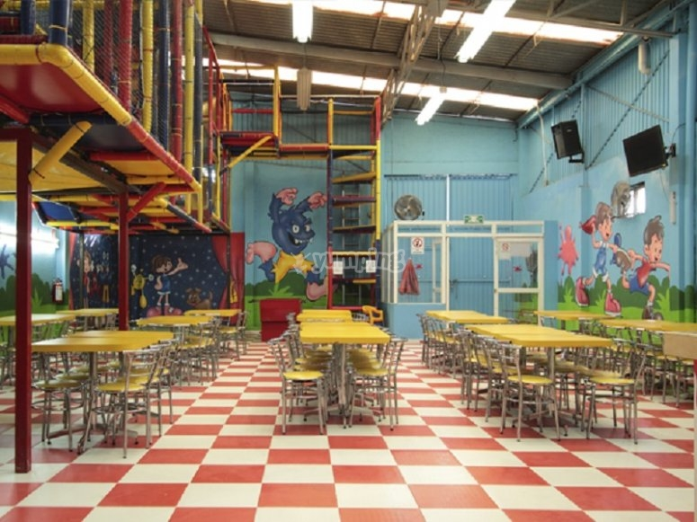 children's party dining room