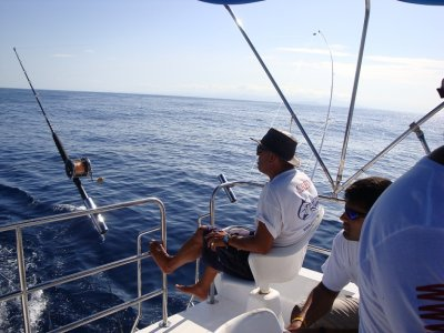 Pesca en lancha 14 pax en Puerto Vallarta 8 hrs
