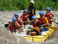 Rafting can be practiced all year round in the Antigua River