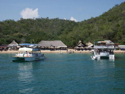 Catamaran boat trip across 7 bays of Huatulco