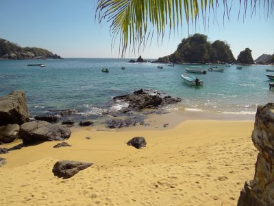 Boat trip to 5 bays in Huatulco