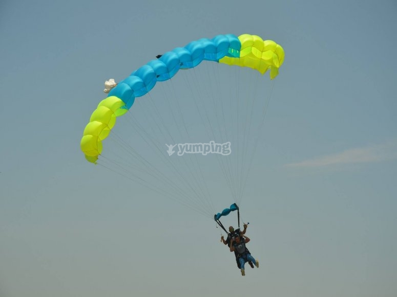 Skydiving in tequesquitengo