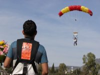 Parachute in Chapala