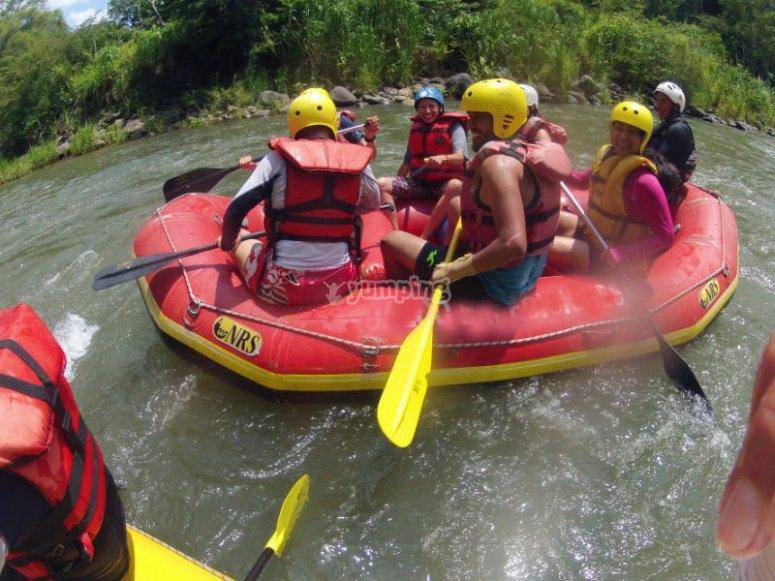 Maximum adrenaline in the rapids of the Pescados River