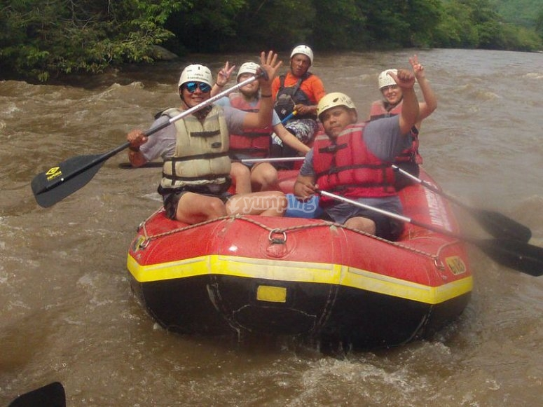 Maximum fun with rafting in the Pescados River