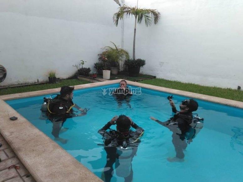 Clase de buceo en aguas confinadas Mérida