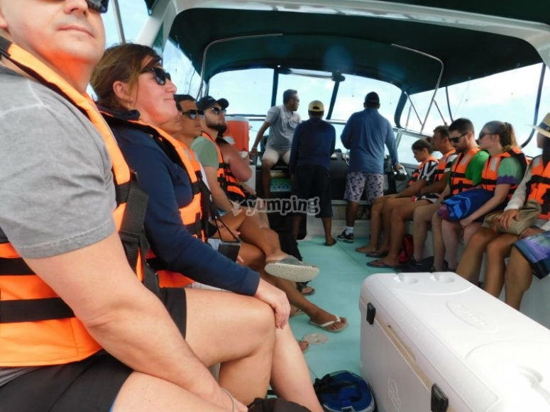Boat tour to Isla Contoy