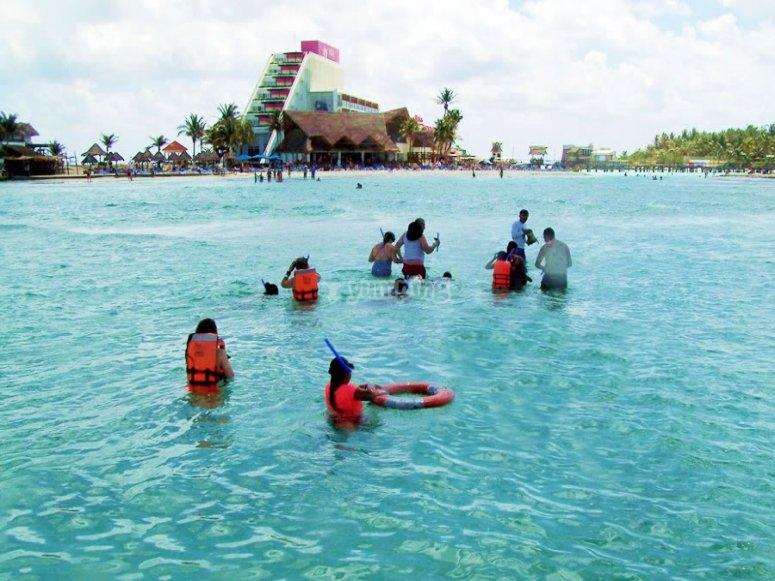 Tour en Familia por las bellas playas de Islas Mujeres