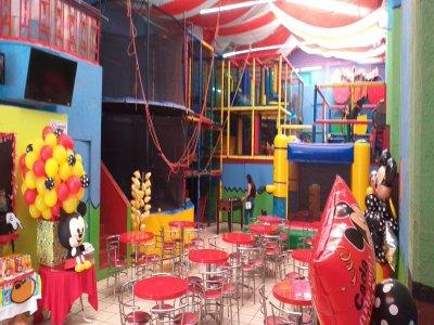 Fiesta infantil en Venustiano Carranza 100 Pers