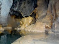 explorando en grutas