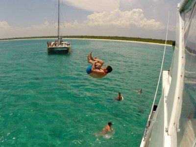 Private renting luxurious Yatch. Mayan Riviera.